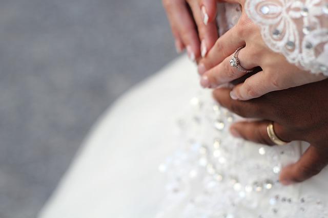 Alliances uniques pour un mariage unique