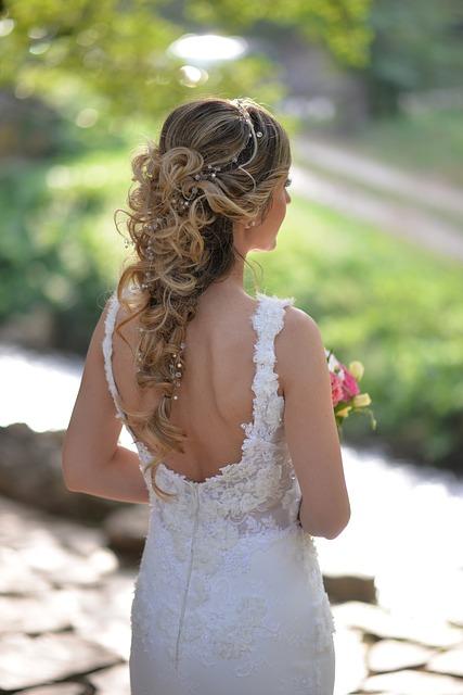 Conseils et astuces pour avoir de beaux cheveux pour son mariage