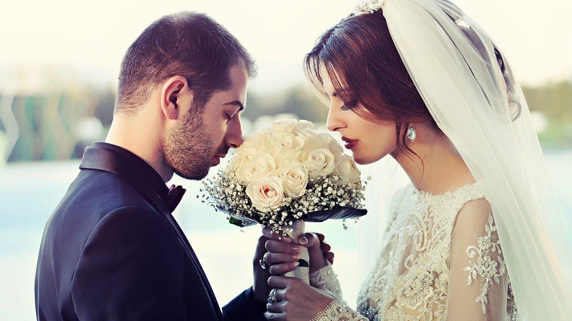 Comment choisir un cameraman pour son mariage?