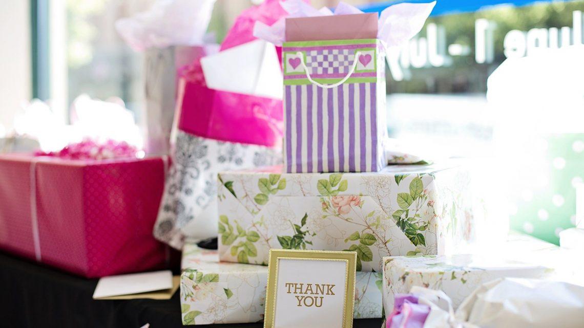 Cadeau de mariage : un dilemme pour invitant et invité